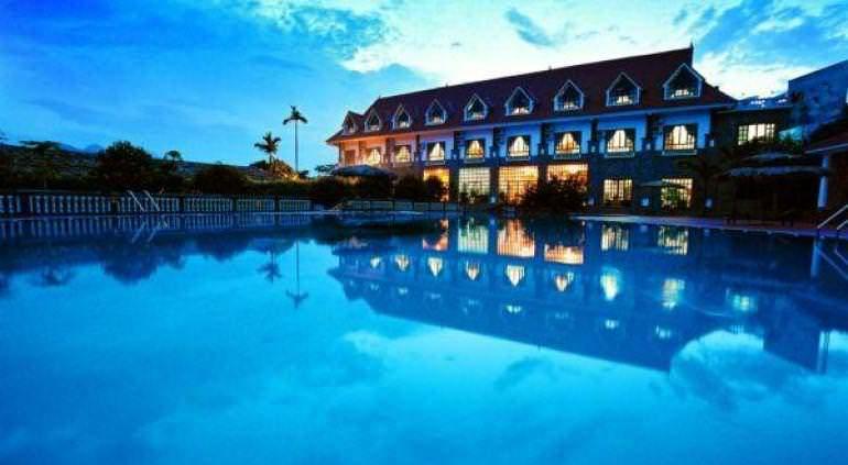 V - Resort