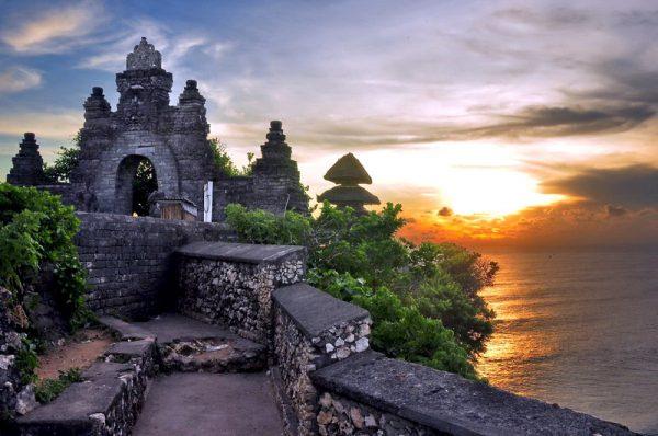 Đền Uluwatu-tour Bali 4 ngày 3 đêm